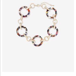 Express choker necklace